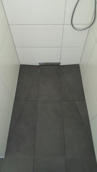 Wandablauf Dusche badsanierung 3d badplanung wohlfühlbad sanieren fliesen